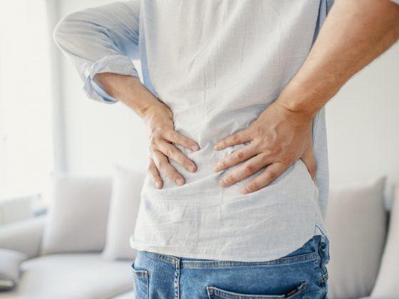 Ból kręgosłupa lędźwiowego – przyczyny, objawy, badania obrazowe