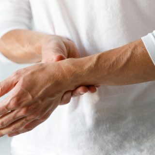Ból nadgarstka – przyczyny, objawy, badania obrazowe