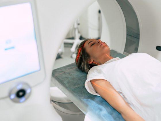 Funkcjonalny rezonans magnetyczny (fMRI) - na czym polega badanie