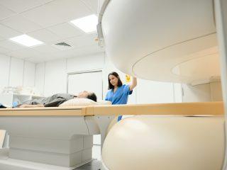 Rezonans magnetyczny barku - jak przebiega, jak się przygotować