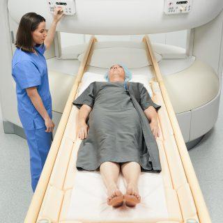 Rezonans magnetyczny biodra - jak przebiega, jak się przygotować