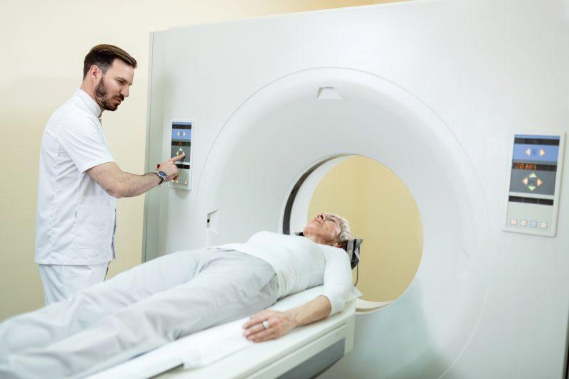 Rezonans magnetyczny oczodołów - jak przebiega, jak się przygotować